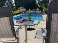relax u bazénu - Provodov