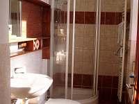 Koupelna-pohled z chodby