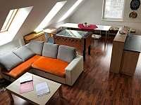 Ubytování Zlín - Javorový apartmán - obyvák - Vlčková