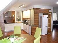 Ubytování Zlín - Ořechový apartmán Apartmány Vlčková - k pronájmu