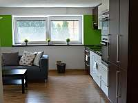 """APARTMÁN 1 """"ZAHRADNÍ""""-obývací pokoj s kuchyní"""
