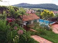 terasa s bazénkem a výhledem