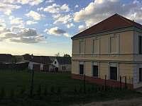 Penzion Zámeček Uherčice u Znojma - ubytování Uherčice u Znojma