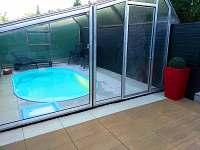 okolí bazénu- po rekonstrukci 2016