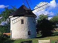větrný mlýn holanského typu Štípa - Slušovice