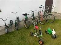 Kola, koloběžky a tříkolka k zapůjčení zdarma - něco pro rodiče a jejich děti:-)