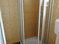 Koupelna v druhé části. V případě pronájmu celé chalupy máte k disp. 2 koupelny