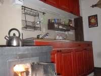 Kuchyň - chalupa k pronájmu Kuničky