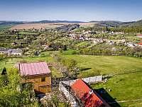 Výhled údolí - chata k pronajmutí Břestek