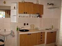 kuchyně v přízemí - Hrušky