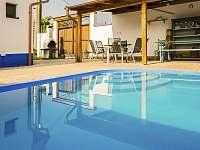 bazén se slanou vodou - chalupa k pronájmu Nové Mlýny