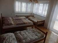 Čtyřlůžkový pokoj s balkonem - Velké Bílovice