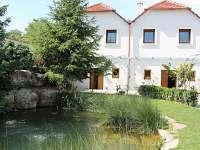 Pohled na sklípek ve dvoře s apartmány Markéta II. - ubytování Horní Věstnice