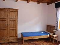 ložnice pro 4osoby - pronájem chalupy Hlohovec