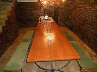 Společenská místnost pro degustace - spodní část sklepu - chata k pronájmu Velké Bílovice