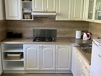 Kuchyň - 1.patro - rekreační dům k pronajmutí Hodonín
