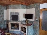 obytná místnost-krb,TV