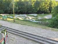 Pump track dráha - chata k pronájmu Tvarožná Lhota - Lučina
