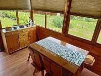 vstupní část - jídelna - chata ubytování Jedovnice
