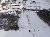 Letecký pohled na celý areál (penzion, Hospoda Na Srubu, Ski Park)