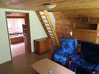 Obývací pokoj (krb, sedací souprava, konferenční stolek...) - Senorady
