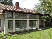 pohled zezadu - veranda