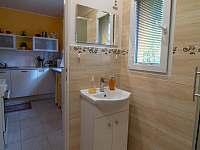 Koupelna - chata k pronájmu Jedovnice