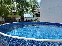 Bazén o průměru 3,6m. Hloubka 1,2m - chalupa k pronájmu Dešov