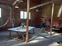 Posezení ve stodole - Dešov