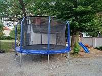 Trampolína s dětským hřištěm - Dešov