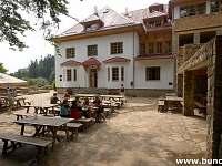 lesní penzion Bunč-3,5 km pěšky nebo na kole, restaurace - Roštín