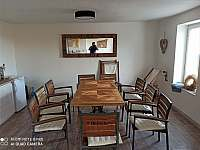 společenská místnost 38m - vila k pronajmutí Klentnice