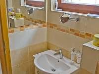 Koupelna s toaletou v prvním podlaží - po kompletní rekonstrukci