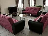 Společenská místnost (obývák) v přízemí