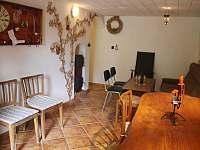 Chata Babeta v Jevišovicích má příjemné posezení ve sklípku. - ubytování Jevišovice