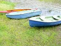 plechová loďka (uprostřed) - Oslnovice