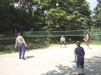 soukromé volejbalové hřiště
