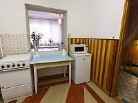 Kuchyňka - chata k pronájmu Milovice