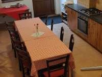 kuchyně - společenská místnost - chalupa k pronajmutí Uherčice