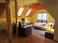 První apartmán v 1.patře - chalupa k pronajmutí Břestek