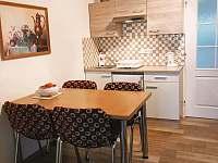 Kuchyň - chalupa k pronájmu Valtice