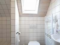 dvoulůžkový pokoj koupelna s wc