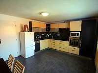 prostorná a plně vybavená kuchyně