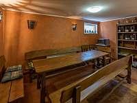 posezení pod ubytováním - chata ubytování Březí u Mikulova