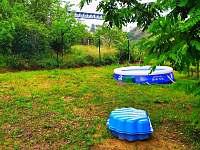 Bazén a pískoviště - chata ubytování Znojmo