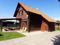 chata zepředu - ubytování Suchý