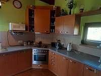 kuchyně - chata k pronájmu Suchý