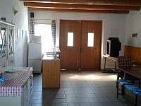 Společenská místnost s posezením - chalupa ubytování Dolní Dunajovice