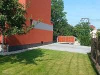 Parkovací místa 5x - ubytování Vacenovice