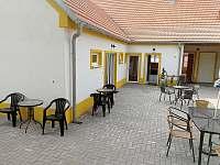 Dvůr - apartmán ubytování Bulhary